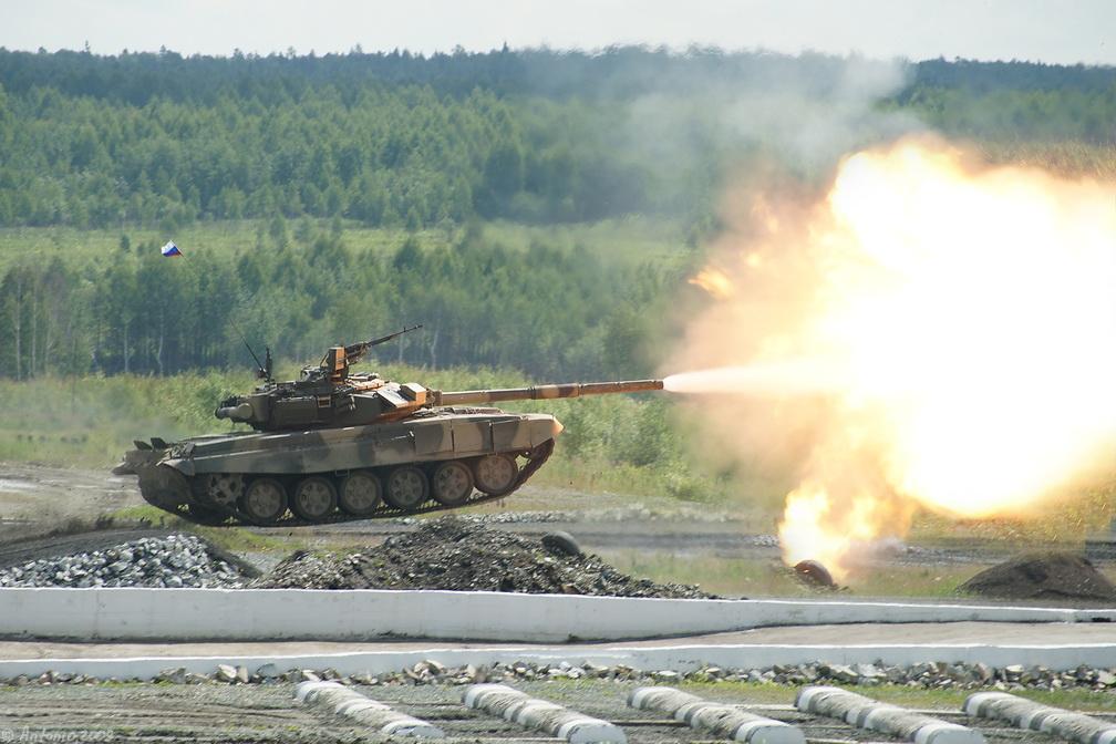 Т-90 танк выстрел