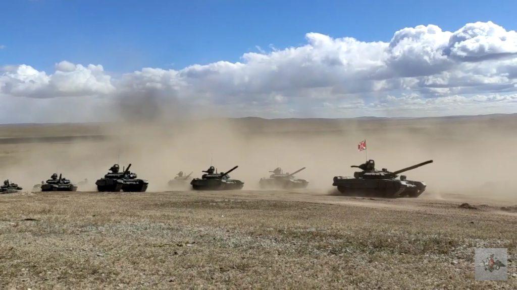 Селенга-21 ГВАРТ - гвардейский танковый флаг. Флаг танкистов на броне